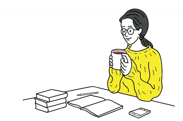 Молодая женщина, пить кофе с написанием времени