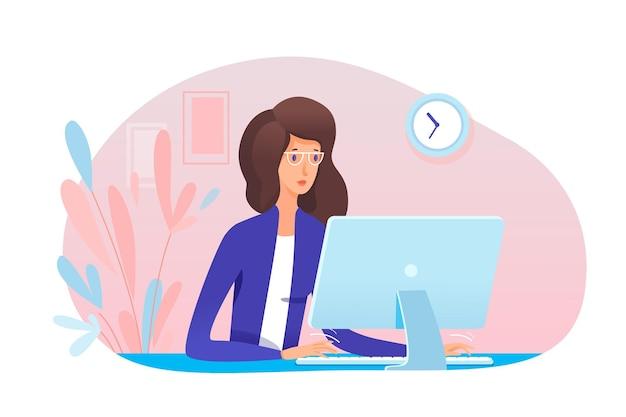 사무실에서 컴퓨터에서 일하는 젊은 여성 비서