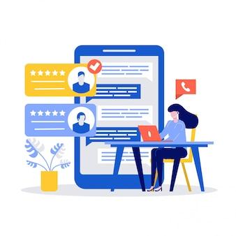 Молодая женщина, сидя на столе и отвечая на жалобу с помощью ноутбука. концепция поддержки клиентов с большим смартфоном.