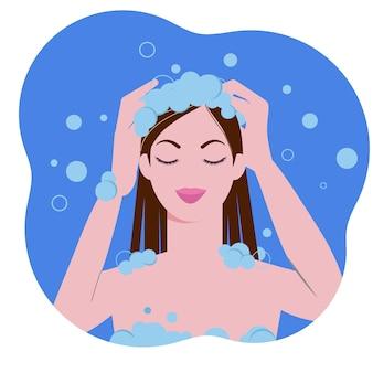 Молодая женщина, мытье волос и головы с шампунем в ванной комнате. гигиенические процедуры.