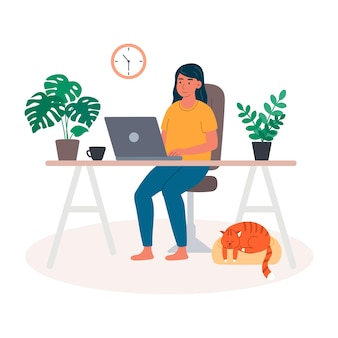 가정 연구에서 노트북을 사용하는 젊은 여성은 원격으로 통신하고 온라인으로 상품을 주문합니다.