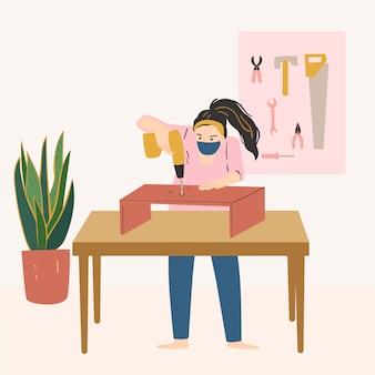 Работник молодой женщины в мастерской плотника. деревообрабатывающий. творчество в домашних условиях концепции.