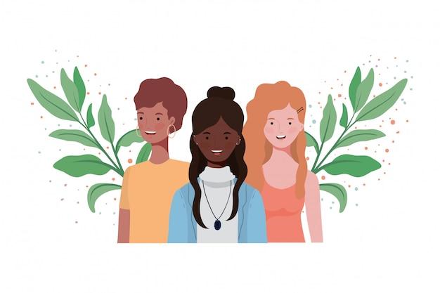 Молодые женщины с ветвями и листьями