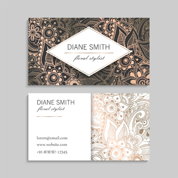 Шаблон визитной карточки класса люкс золото с цветами zentangle рисованной
