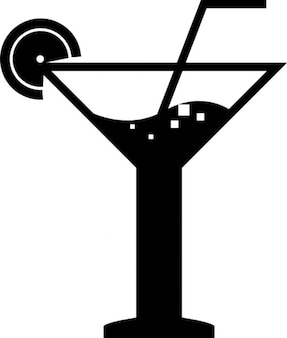 Cocktail mit einem strohhalm perfekt für partys