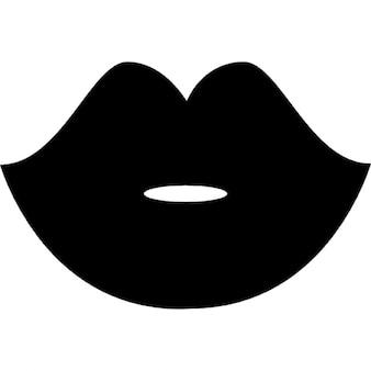 Frau schwarzen Lippen Form