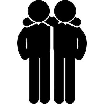 Freunde umarmen Männer Seite an Seite