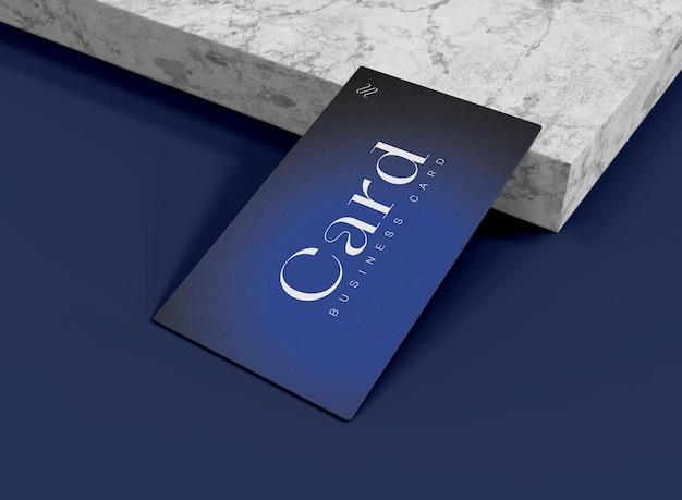 3d-visitenkartenmodell auf marmoroberflächenkante