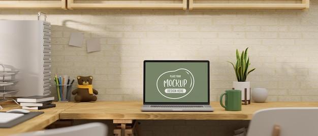 3d-wiedergabe des laptop-modellbildschirms auf holztisch mit vorräten