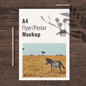 A4-poster oder flyer-modell mit bleistift