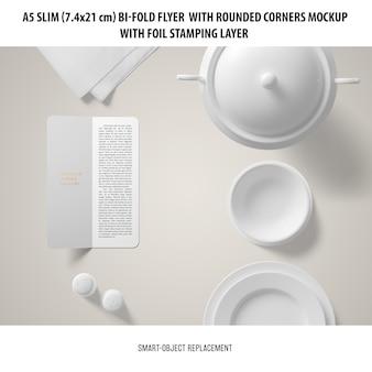 A5 slim bi-fold flyer modell