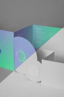 Abstrakte retro-vinylscheibe mit verpackungsmodell Kostenlosen PSD