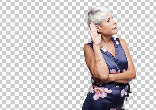 Ältere coole frau, die aufpasst, versucht zu hören und zu hören, was gesagt wird, ein ohr leihend.