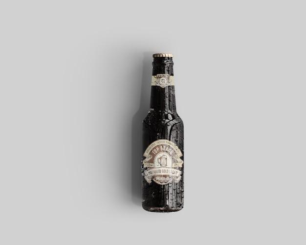 Amber glass beer bottle mockup mit wassertropfen - draufsicht