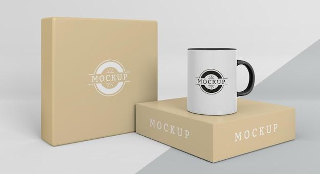 Anordnung der mock-up-becherbox
