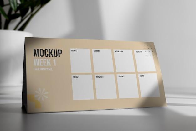 Anordnung des mock-up-tischkalenders im innenbereich Kostenlosen PSD