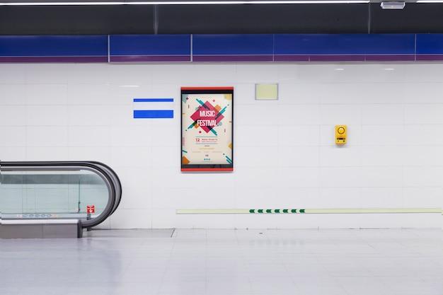 Anschlagtafelmodell in der u-bahnstation