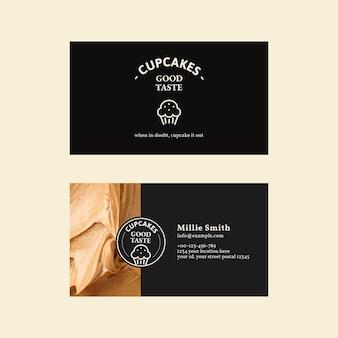 Bäckerei-visitenkartenvorlage psd in schwarz mit zuckerguss-textur