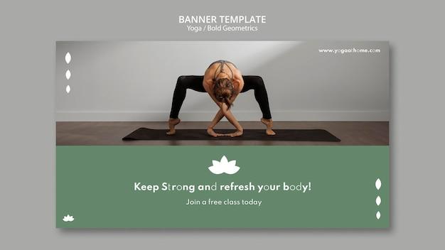 Bannerschablone mit frau, die yoga praktiziert