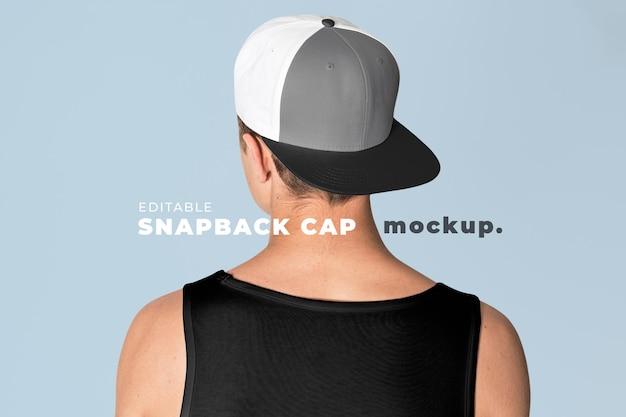 Bearbeitbare snapback-cap-mockup-psd-vorlage für street-fashion-anzeige