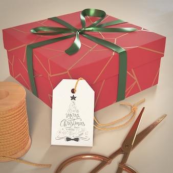 Bix-kastengeschenk eingewickelt für weihnachten