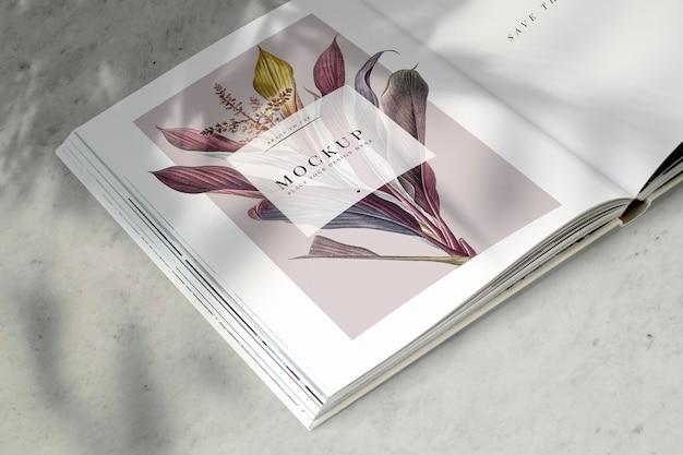 Blumenmagazinmodell mit leerzeichen