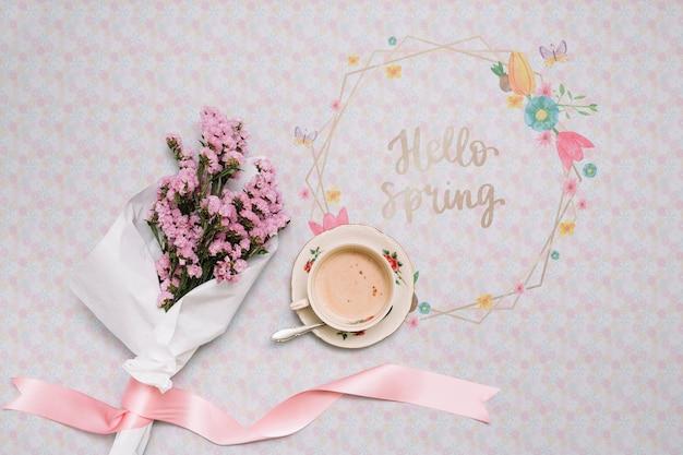 Blumenrahmen-modell für den frühling