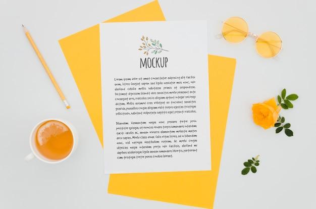 Botanisches modell der orangenrosen