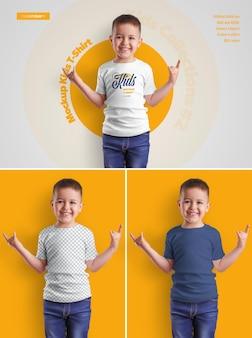 Boy kids t-shirt modelle. das design ist einfach beim anpassen des bilddesigns (auf dem t-shirt), der t-shirt-farbe und des farbigen hintergrunds