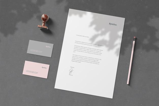 Branding briefpapier modell