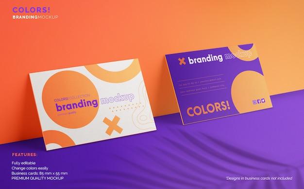 Branding-modell mit zwei visitenkarten