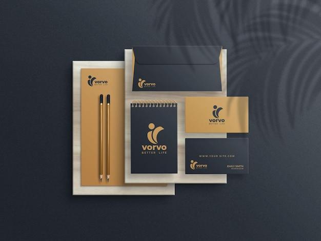 Braunes und schwarzes briefpapier-mockup-set Premium PSD
