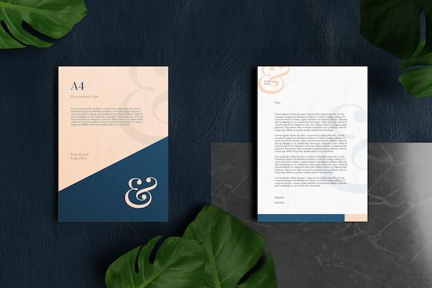 Briefkopf a4 dokument- und briefpapiermodell aus dunkelblauem und schwarzem marmor