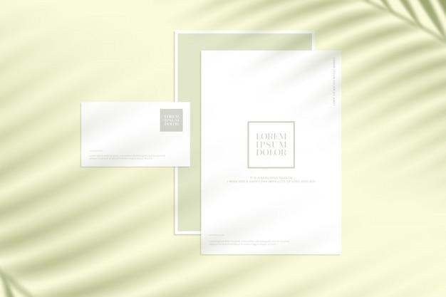 Briefpapiermodell mit blattschatten