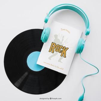 Buch-cover-vorlage mit vinyl und kopfhörer