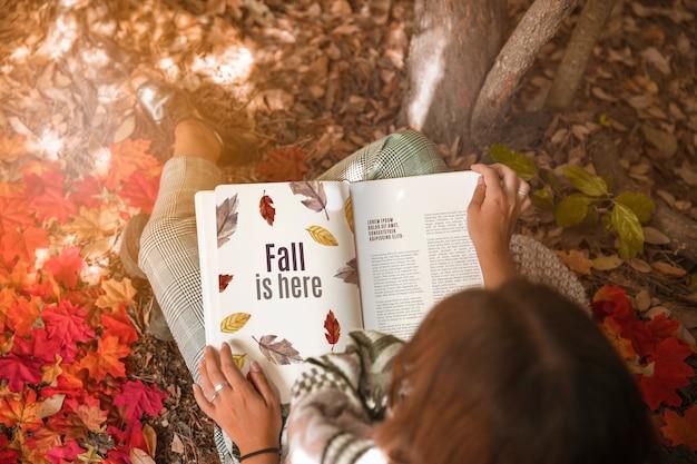Buch des offenen buches mit halloween-konzept