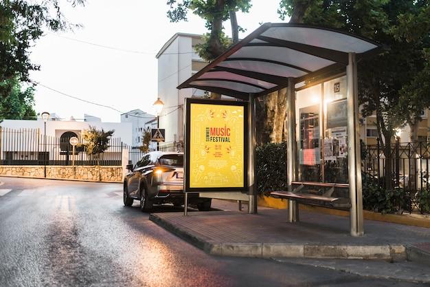 Bushaltestelle-anschlagtafelmodell