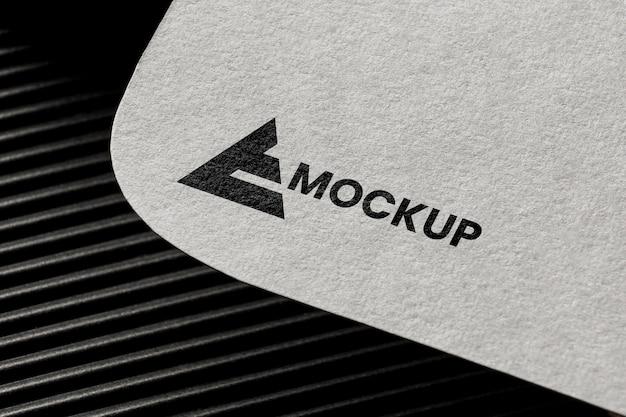 Business-branding auf dem kartenmodell