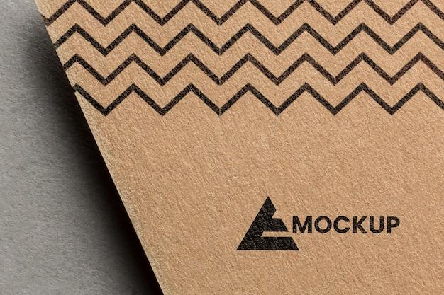 Business-branding auf karten-mock-up-sortiment