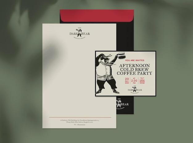 Business einladungskartenmodell psd mit brief und umschlag für corporate identity design and