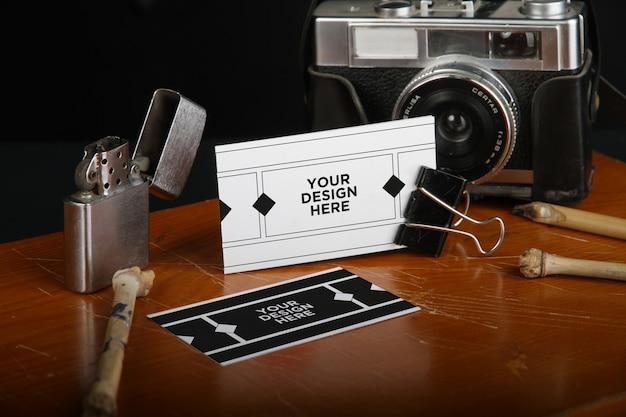 Carte de visite realiste mockup-fotografie