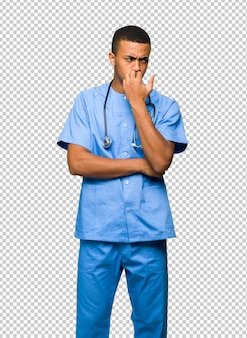 Chirurg doktormann, der zweifel hat