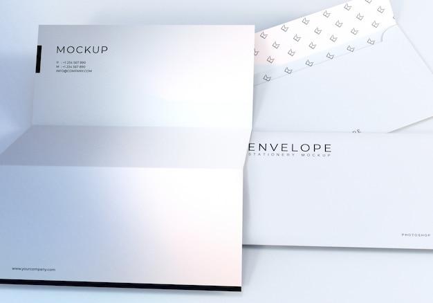 Closeup envelope und letterhead mockup design
