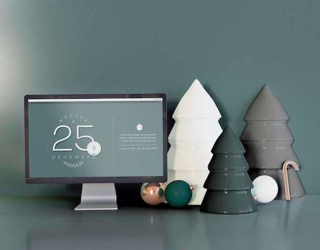Computer screen mockup mit weihnachtsdekoration
