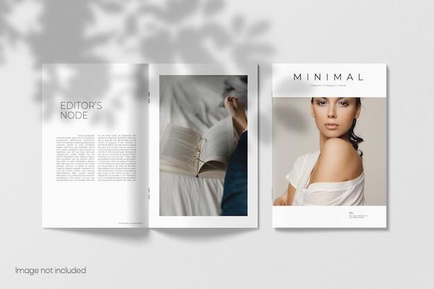 Cover und geöffnetes broschürenmodell