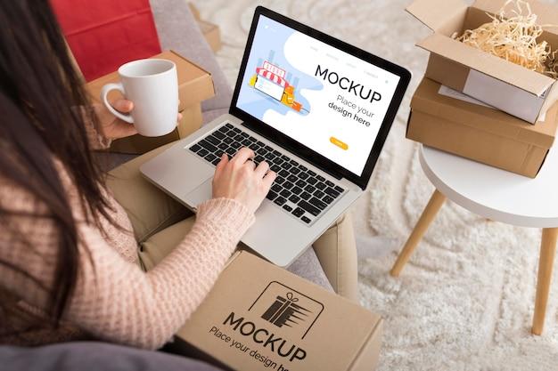 Cyber-montag-konzept-modell