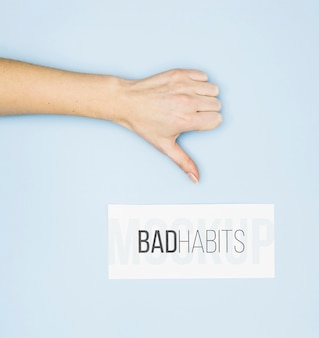 Daumen runter für schlechte angewohnheit