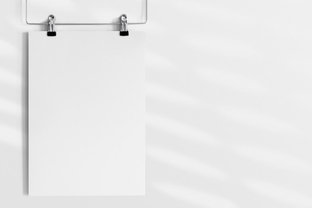 Design auf einem kleiderbügel-poster-modell