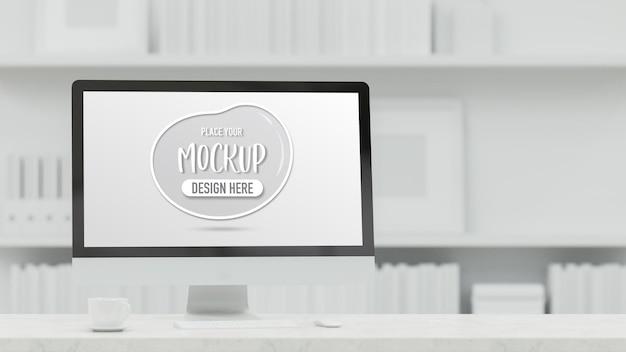 Desktop-computer mit mockup-bildschirm auf dem tisch