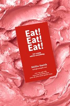Dessert-visitenkarten-mockup-psd auf rosa zuckerguss-textur